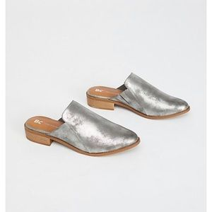 Silver Vegan Austin Mule by BC Footwear: size 8.5